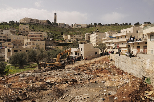 A demolition site in Al-'Issawiyya. Photo  by Virginia Paradinas, posted by the Israeli Committee Against Home Demolitions.